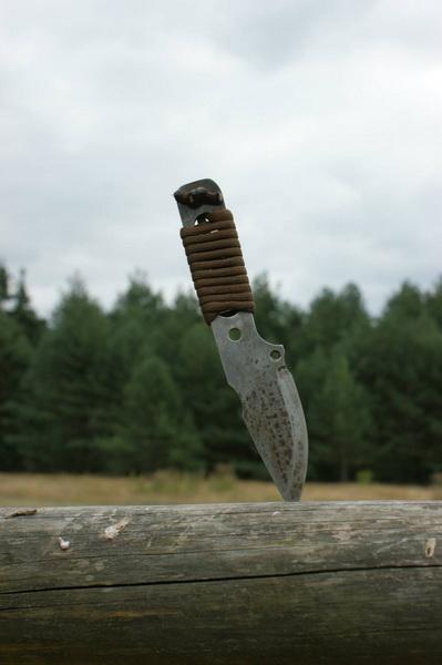 neck knives (1)