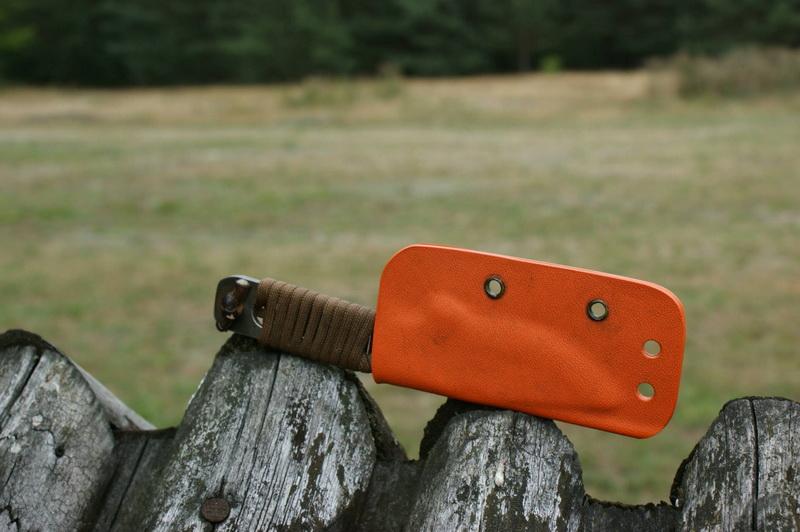 neck knives (12)