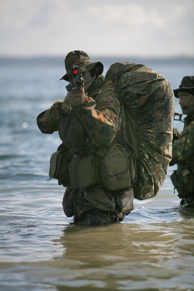 SEKM Soldate wŠhrend einer AnlandungsŸbung