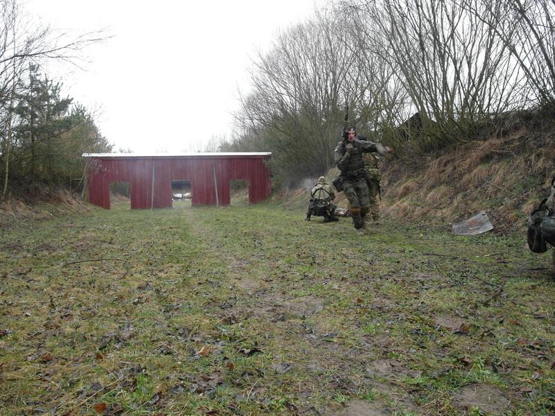 Combat SERE (121)